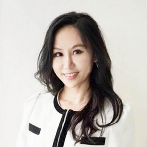 Dr. Evelyn Lim