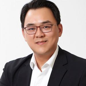 Dr Tristan Tan