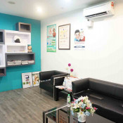 Queck Dental - Waiting Area