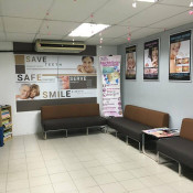 Tiew Dental Clinic (Semenyih) - Waiting Area