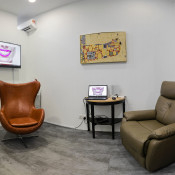 Smile Avenue Publika waiting room