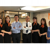 Kalo Cosmetic Surgery - Doctor & Staffs