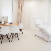 Peter Ch'ng Clinic Skin & Laser Specialist - Treatment Room