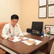 Sliq Clinic - Doctor Room