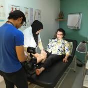 YAPCHANKOR Pain Treatment Centre (Setapak) - Physiotherapy Session